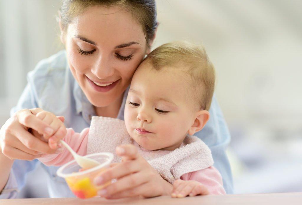 Питаться ребенку необходимо не менее 4-х раз в день