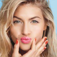 Наносим губную помаду правильно