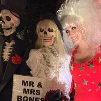 Необычно: лучшие наряды знаменитостей с праздника Хэллоуин
