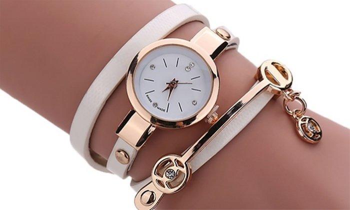 женские часы с ремешком