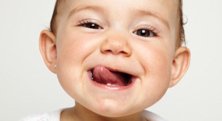Нужно ли лечить молочные зубы? Полезные советы