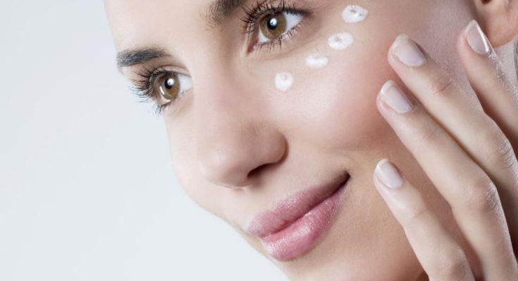 Как правильно ухаживать за кожей глаз