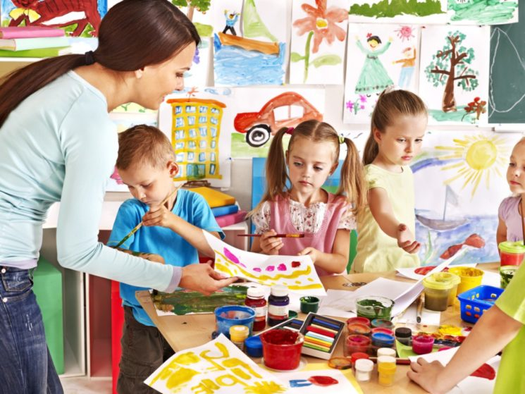 Необходим ли детский сад малышу