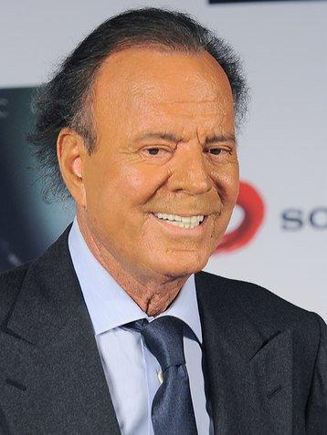 Хулио Иглесиас