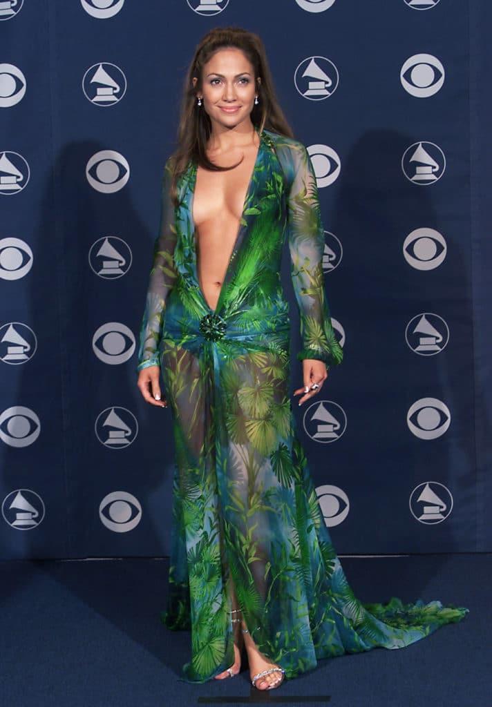 Дженнифер Лопес на премии Grammy, 2000 год