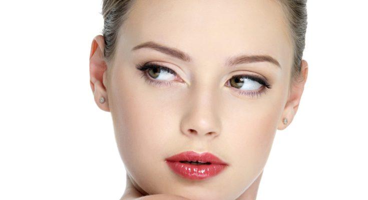 Кремы для эффекта влажных губ: магнит для сильного пола