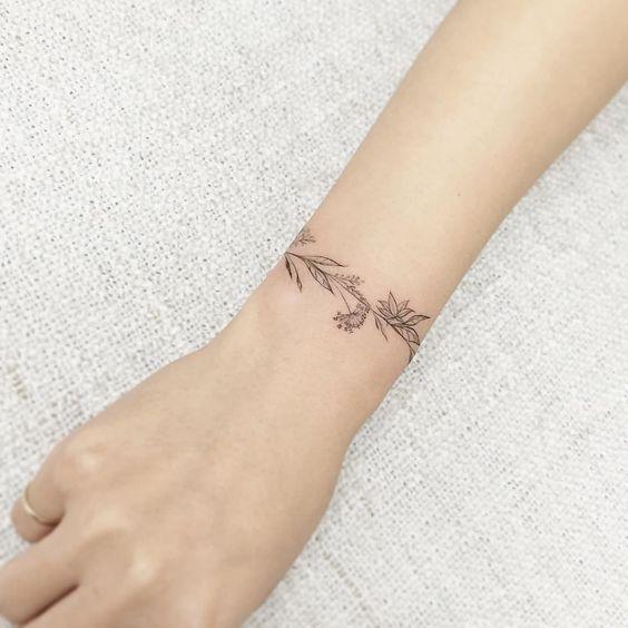 минималистичные тату для девушек