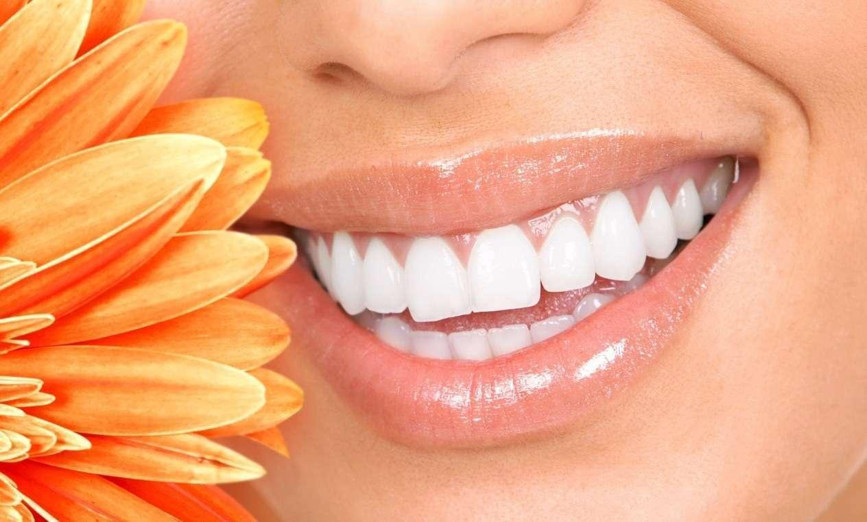 Как сделать зубы белыми когда они пожелтели