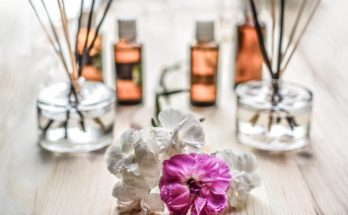 Способы использования эфирного масла розового дерева