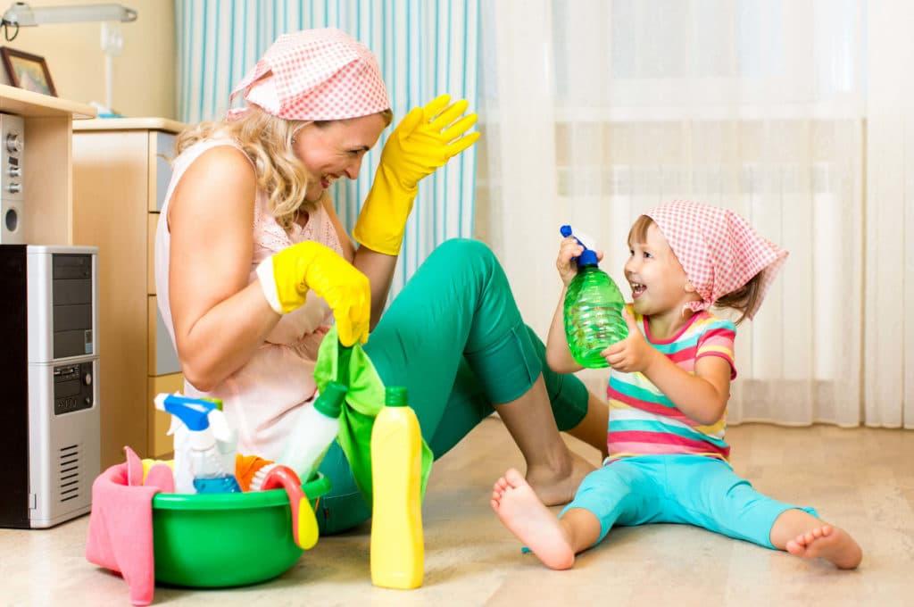 Делать домашние дела вместе