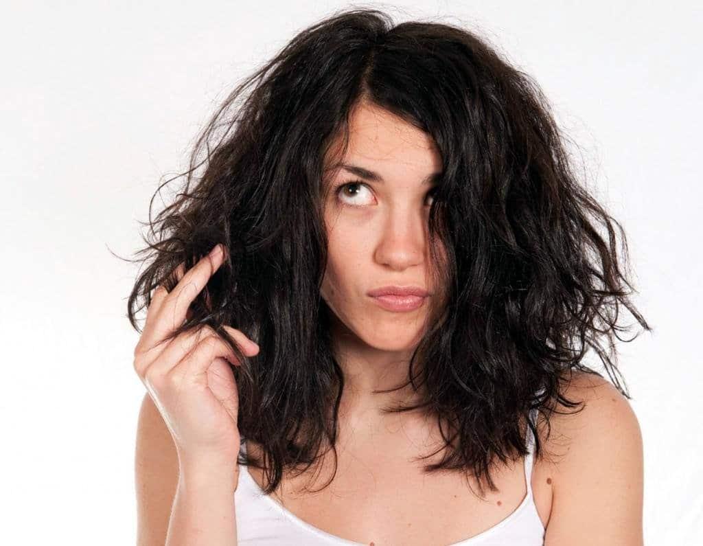 Правильный уход за жирными волосами