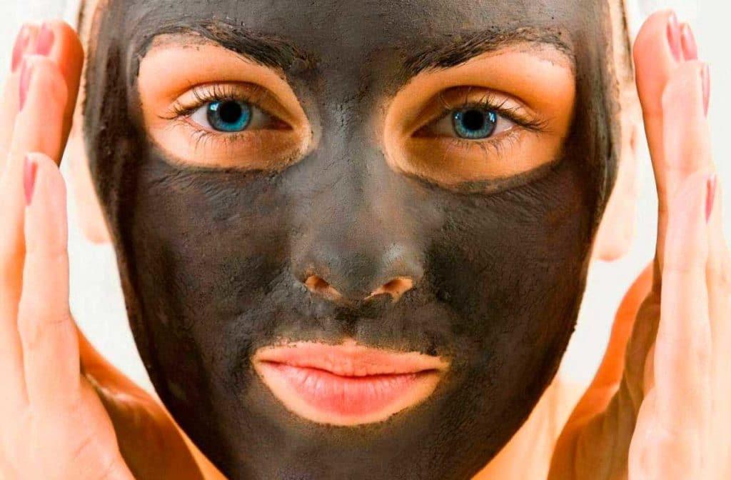 маски из черной глины