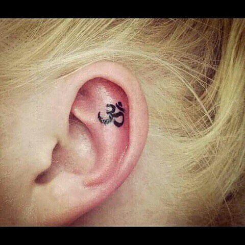 идеи для маленьких татуировок ом