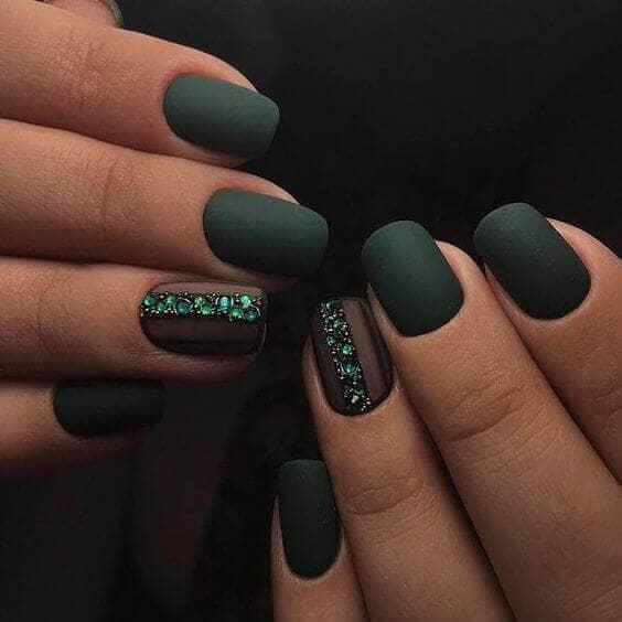50 идей для акрилового маникюра - Матовые изумрудно-зеленые ногти