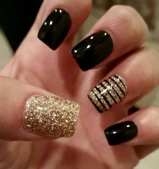 50 идей для акрилового маникюра - Акриловые ногти шоколадного оттенка с золотыми блестками
