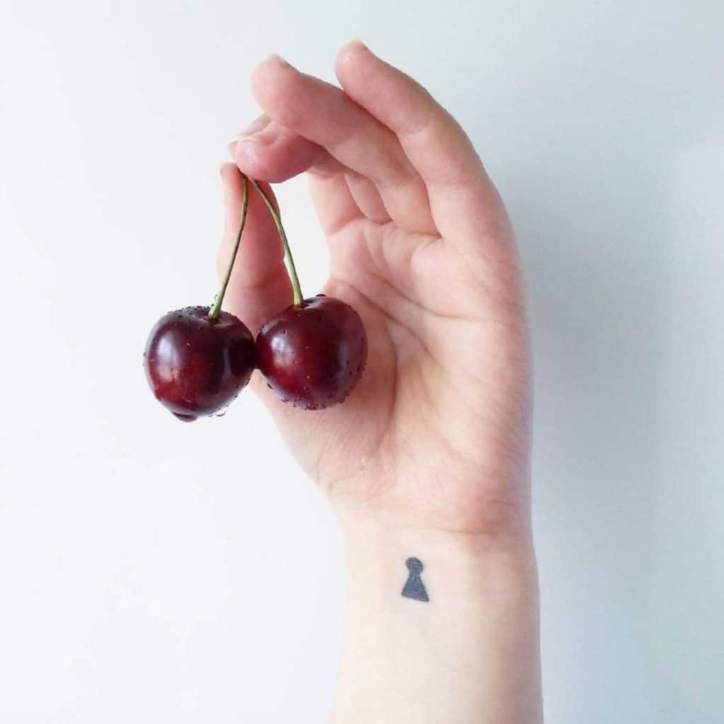 идеи для маленьких татуировок замочная скважина