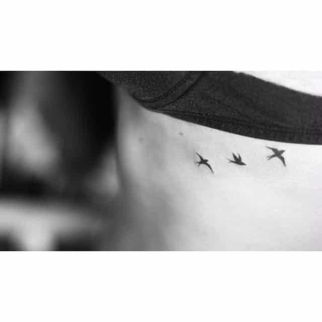 идеи для маленьких татуировок птицы в полете