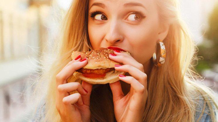 ТОП-4 вредные привычки, которые мешают похудению