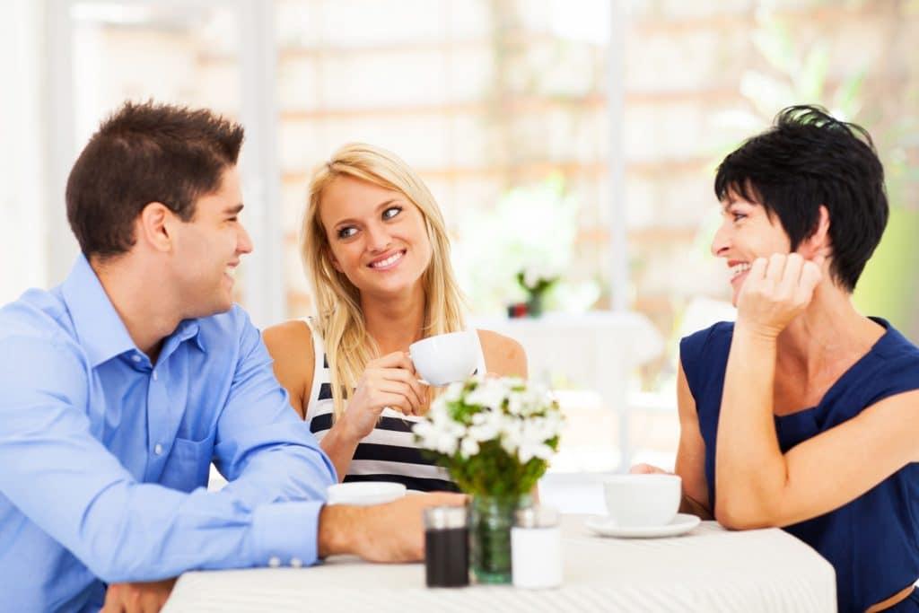 Как себя вести при знакомстве с родителями парня