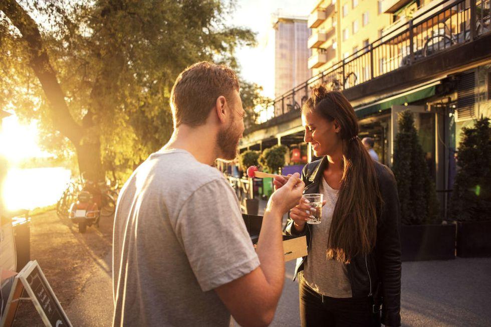 идея для свидания уличная ярмарка