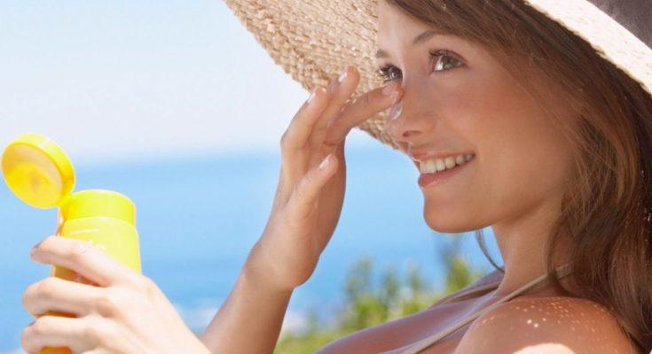 Как увлажнить кожу летом?