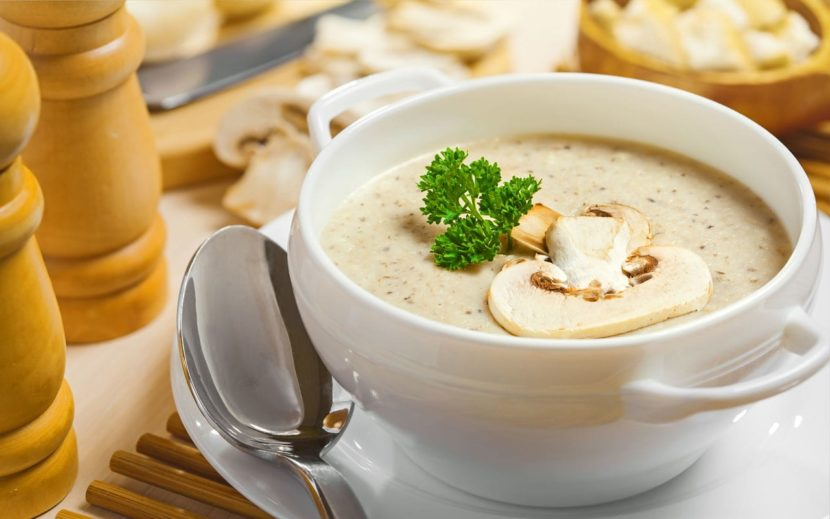 Аппетитный сырный суп-пюре с шампиньонами