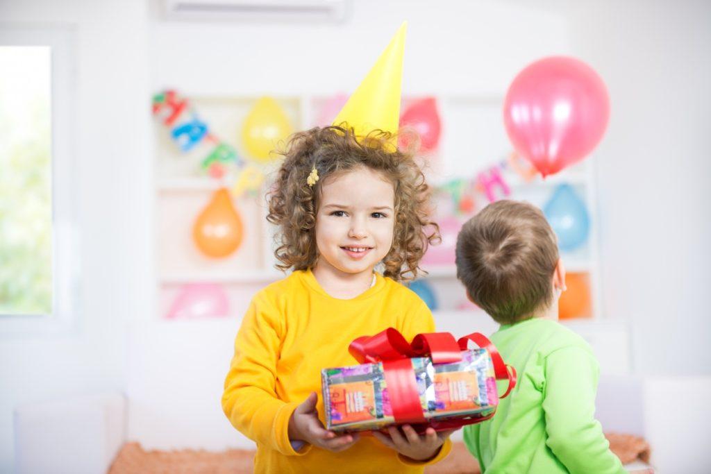 Что подарить ребенку