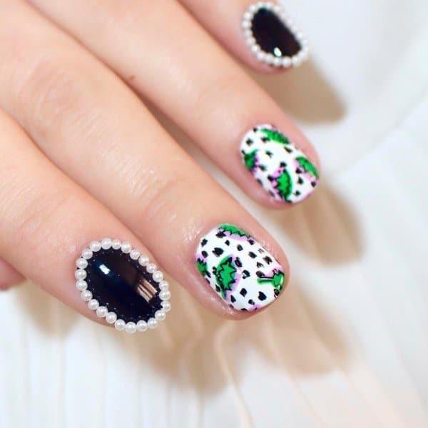 яркий дизайн ногтей с жемчужинами