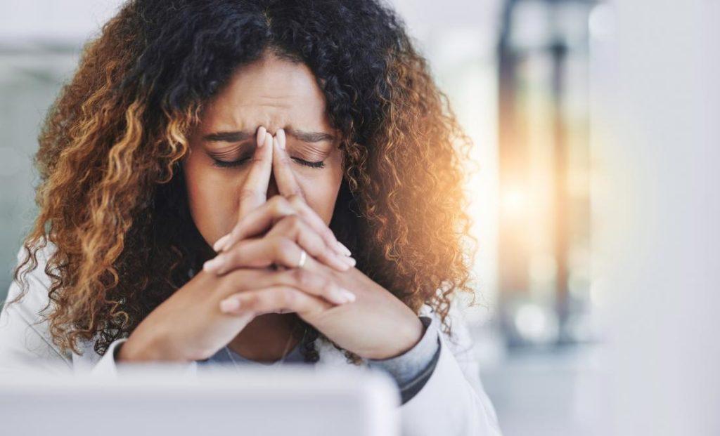 симптомы стресса головные боли