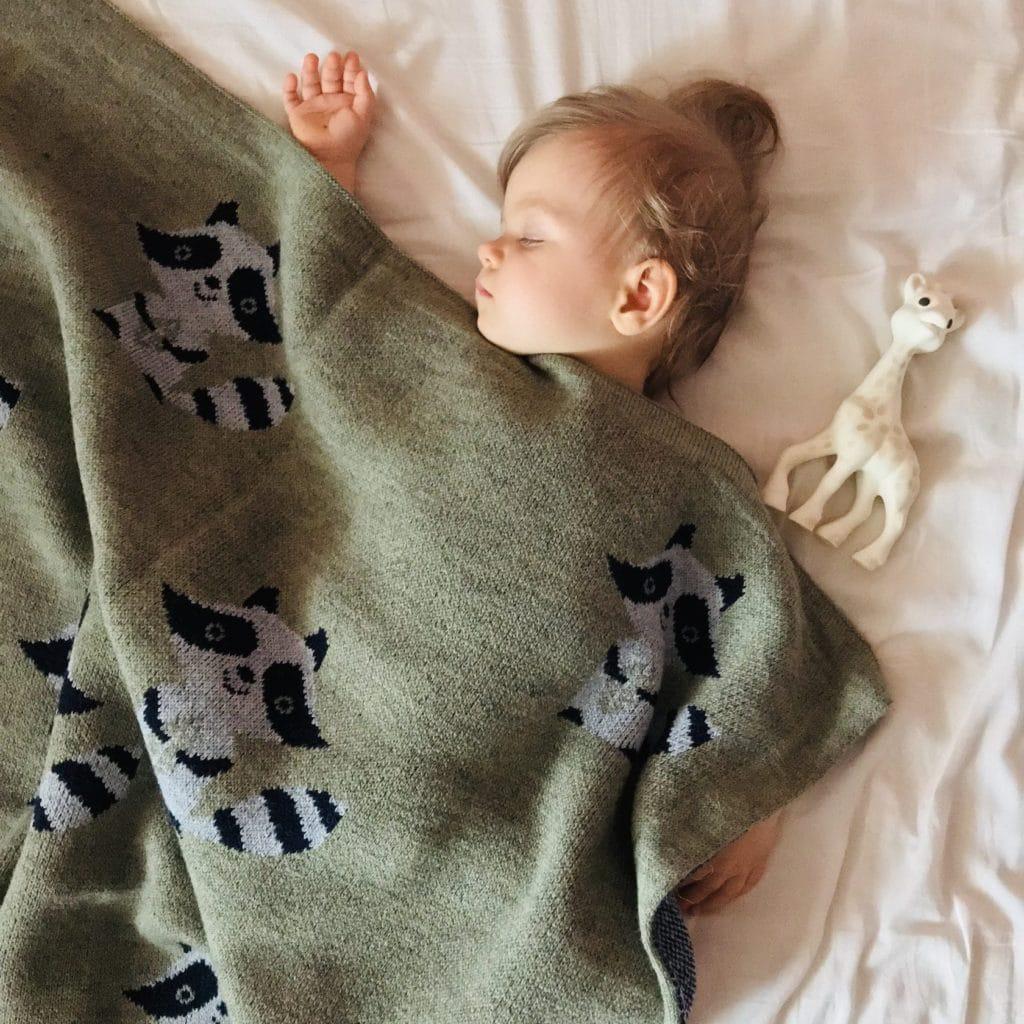 Как связать детский плед