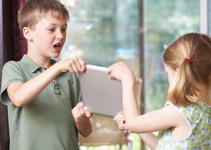 Нетерпимость в общении со сверстниками