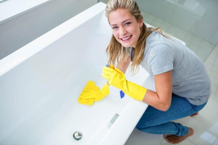 Как бороться с грибком в ванной: 3 проверенных способа