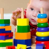 Развивающие игрушки для малышей своими руками