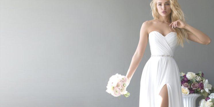 Прямые свадебные платья: актуальный образ классики