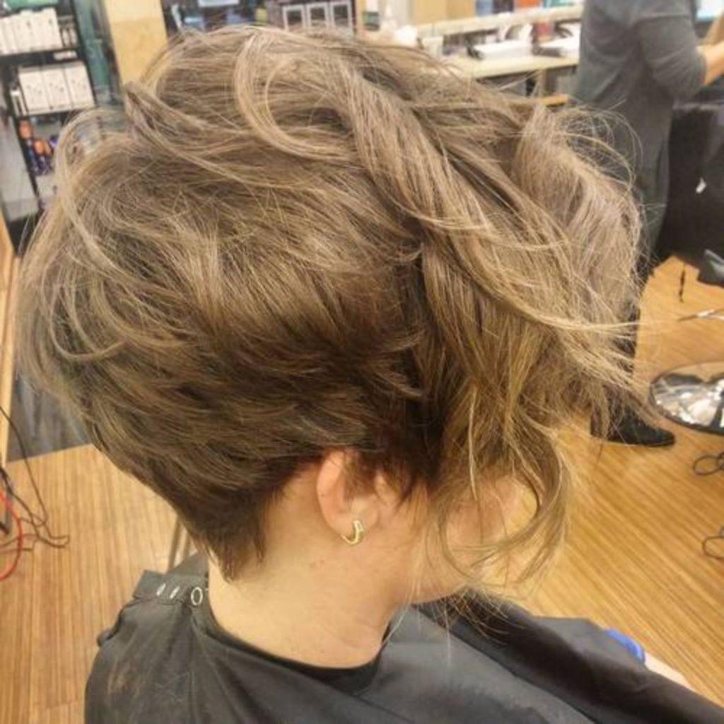 Короткая Стрижка для Волнистых Волос