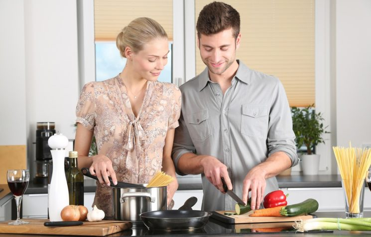 Чем накормить гостей: самые быстрые рецепты