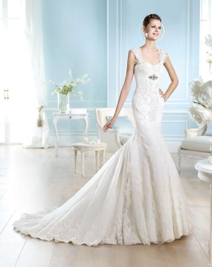платье на свадьбу со шлейфом