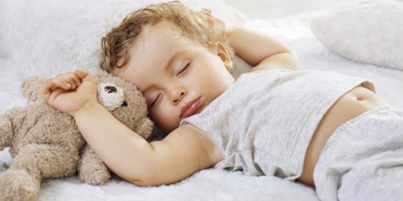 Как правильно укладывать ребенка спать: советы от врача сомнолога
