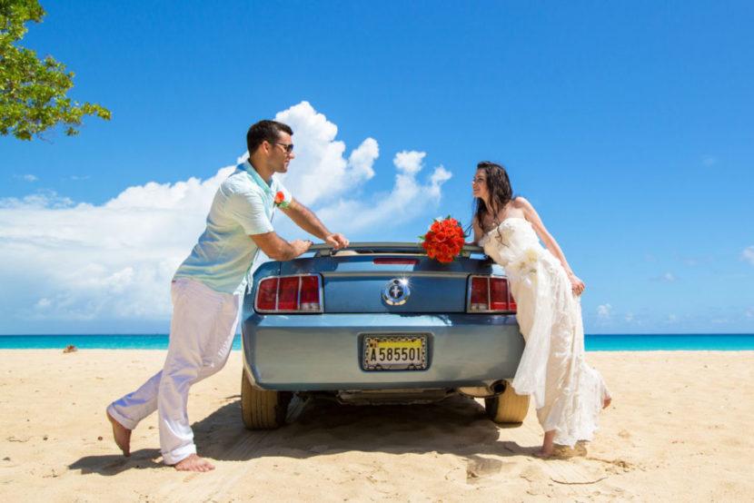 Как правильно украсить свадебную машину