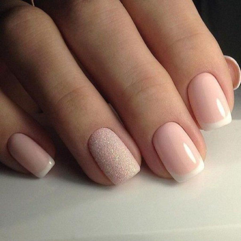 Красивый розовый френч
