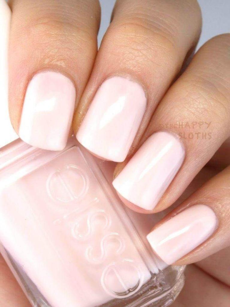 Бледно-розовые маникюр для коротких закругленных ногтей