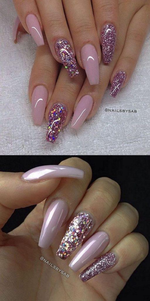Розовый маникюр с глиттером на длинный ногти