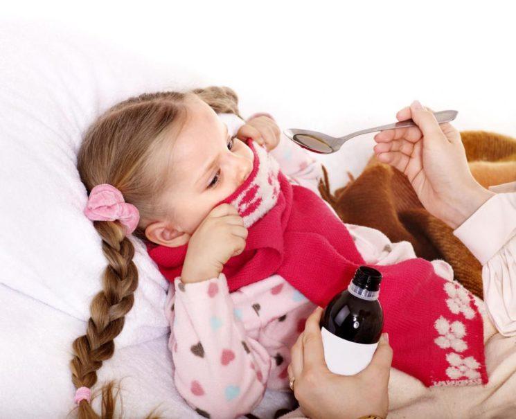Чем опасен ночной кашель у ребенка и как его лечить