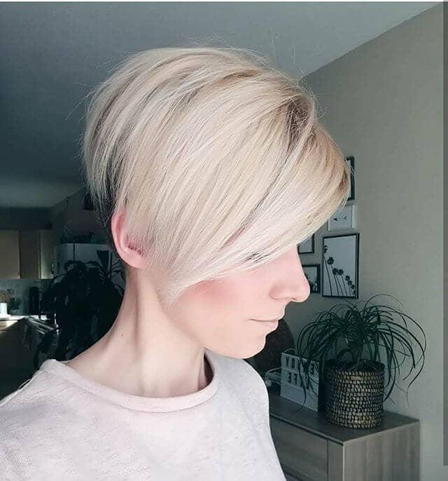 Угловатая стрижка на короткие волосы