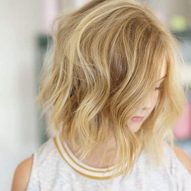 Легкая стрижка на короткие волосы