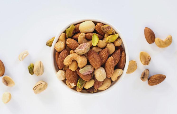 Самые полезные орехи и их свойства