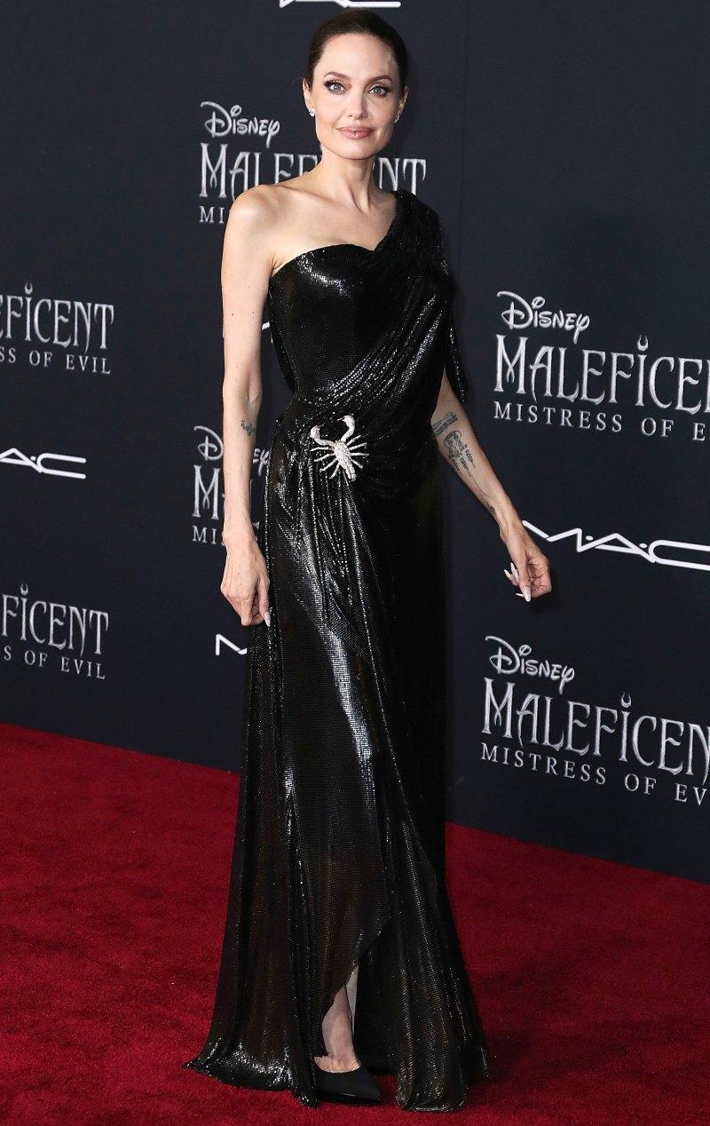 Анджелина Джоли в сексуальном платье