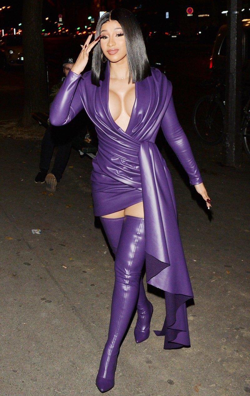 Карди Би в сексуальном платье