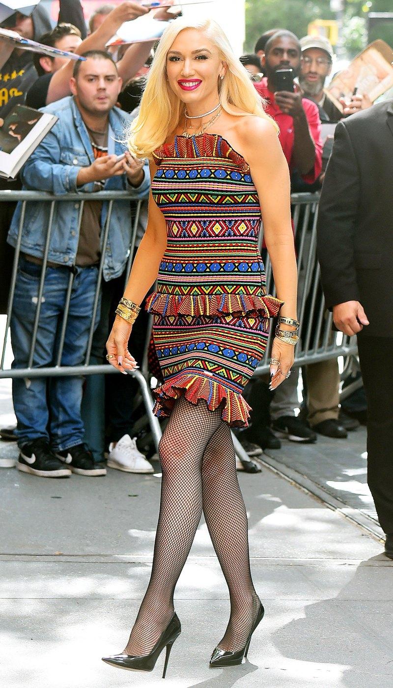 Гвен Стефани в ярком платье
