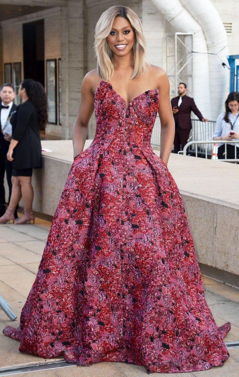 Лаверна Кокс в платье
